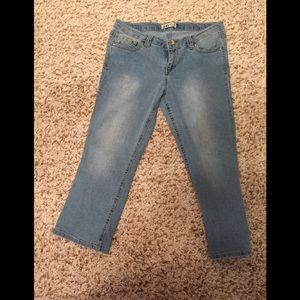 Light wash cropped jeans